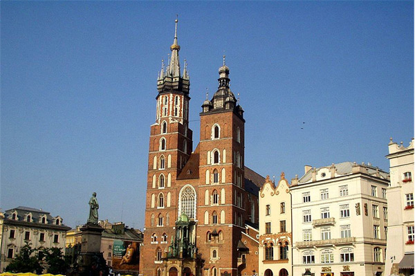 mariacki church krakow poland